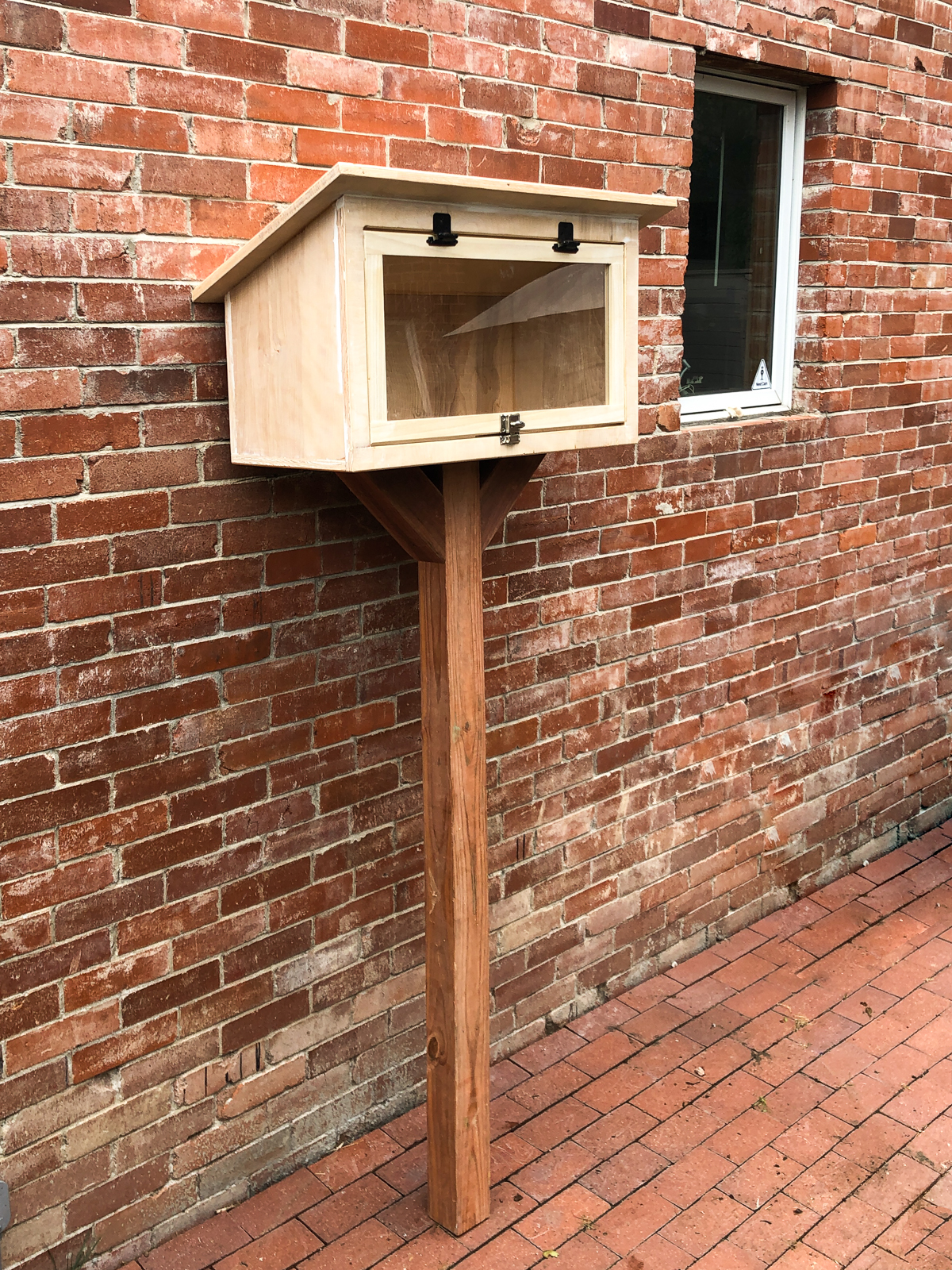 outdoor mail box book share